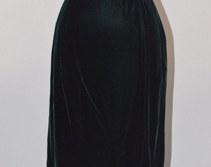 Vintage Estate Saks Fifth Avenue Anne Klein Made in USA Emerald Green Velvet Skirt