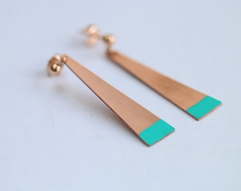 Copper triangle earrings with turquoise details // long dangle earrings // 14k rose gold // geometric earrings // copper turquoise jewelry