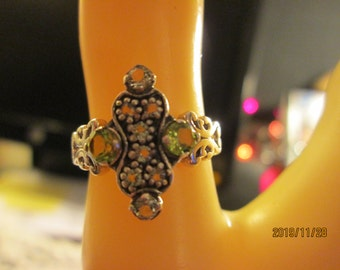 Handcrafted Art Nouveau Sterling Silver 925 Filigree 1.00ctw Genuine Peridot & White Topaz Ring Size 6, Weight 2.5 Grams