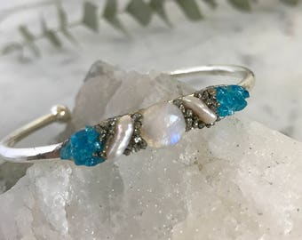 Moonstone Jewelry for June, Moonstone Wedding Jewelry, June Moonstone Birthstone, Something Blue Bracelet, June Birthday Jewelry, Boho Chic