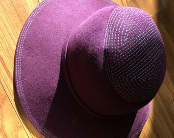 Vintage 1960's stitched crown hat in deep purple