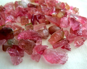 Raw Pink tourmaline crystals undrilled- 14g- 5-11mm small pieces- Jewelry beads supply- Pink Tourmaline raw crystals undrilled