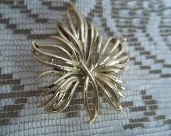RARE Vintage Gerry's Gold Tone Leaf Brooch