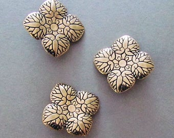 Hollyhock Leaves - Shank Button - B4150