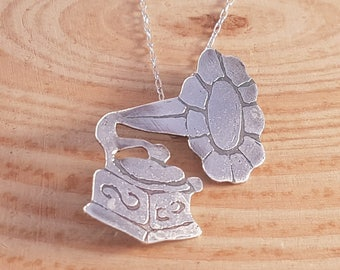 Sterling Silver Etched Gramophone Necklace