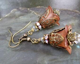 Vintage Look Flower Earrings in Browns