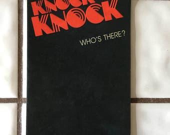 Kitschy 70's knock knock bday card
