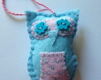 Felt Owl Ornament - Blue/Pink