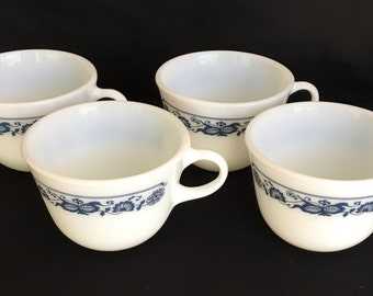 PYREX Cups Blue and White Old Town Four Cups