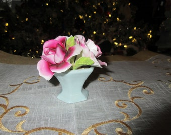 ENGLAND STAFFORDSHIRE THORLEY Vase with Roses