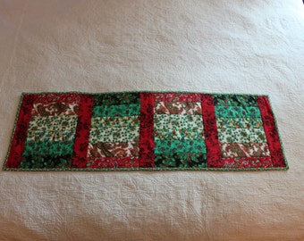 116 Red and Green Christmas Table Runner