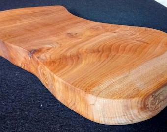 Luxury chopping board (Elm Gaia board)