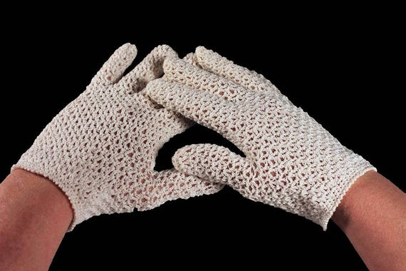 Ladies Gloves, 100% Cotton, Handmade Crocheted, Made in Italy, White, Size Small, Wedding Gloves, Day Gloves