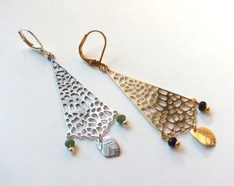"""Earrings """"Cahyo"""" / / Tan Tao: Golden or silver buckles & beads faceted black or green"""
