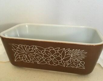 Pyrex  refrigerator dish brown