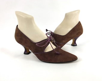 7.5B • 1990's • Kenneth Cole Brown Suede Oxford Kitten Heels