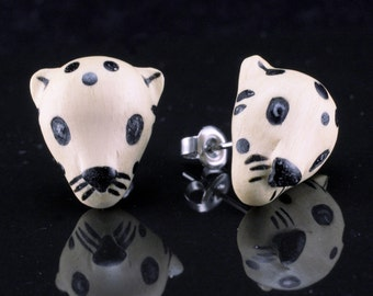 "Hand Carved- ""Jaguar Moji"" - Crocodile Wood with Ebony Wood Inlay Stud Earring - Zoo Moji"