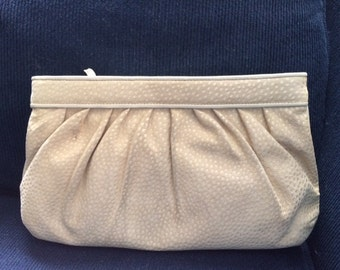 Gorgeous Cream ivory  leather suede  cluthch purse handbag made in Italy For Bonvit Teller
