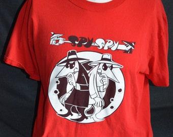 Vintage Spy vs. Spy Graphic T-Shirt (Size: L)
