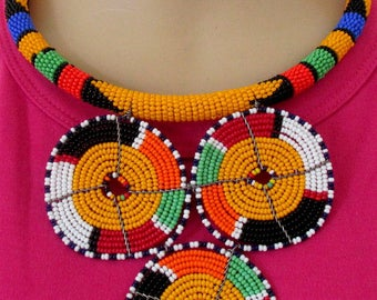 Massai style tribal Afro sistah bib choker wired necklace. African seed beads round fan pendant. - SEE DESCRIPTION