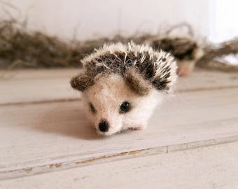 Hedgehog gift, Tiny Needle felted Hedgehog, Cute Hedgehog gift, Hedgehog lover gift, Felted hedgehogs, Hedgehog gift for her, Mothers day