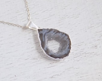 Maid of Honor Gift, Silver Geode Necklace, Geode Slice Necklace, Gray Geode Pendant, Druzy Pendant, Boho Necklace, Long Layer Necklace 8-160