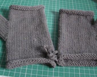 wrist warmers/fingerless gloves