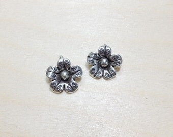 Flower sterling silver oxidize charms 2 pcs // S*2