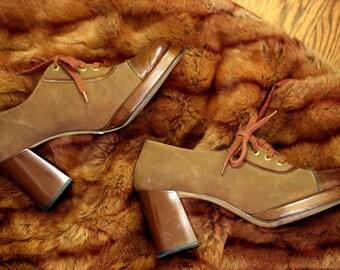 Disco Baby Platforms: 1970s Vintage Unisex Groovy Brown Leather Toe Retro Platform Heel Disco Shoes