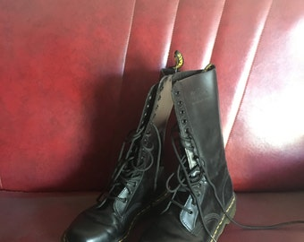 DOC MARTENS 14 Eyelet Lace Up Black Leather Chunky Docs Boots