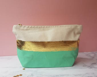 Make up bag - mint