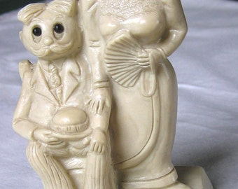 Vintage (1975) R&W Berries Humorous Happy Anniversary Statuette - Figurine of Victorian / Edwardian Couple