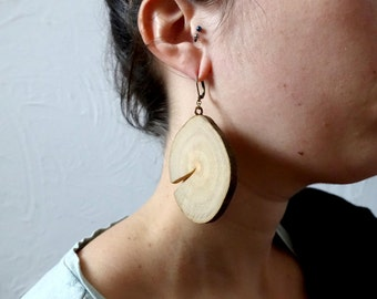 Large wooden earrings, simple wood slices, bark, simple and nature