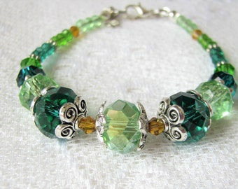 Green bracelet Mom Gift for her Crystal bracelet Glass bracelet Summer bracelet Beaded bracelet Gift for girl Green jewelry Teens gift Xmas