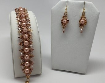Crystal Pearl and Crystal beaded Bracelet and Earring Set