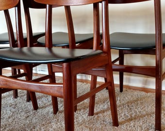 Mid Century Danish Modern Moreddi Set of Five Dining Chairs