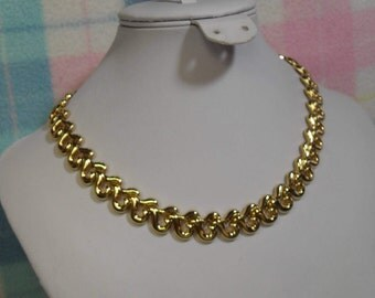 """SALE!!  Vintage Bright Goldtone Large Link Necklace 16"""" long with Curly-cue design (was 12.00)"""