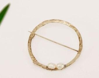Pearl brooch, geometric brooch, circle jewelry, round pin, silver tone brooch, minimal jewelry, custom brooch, women gift, contemporary pin