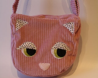 Pink shoulder handbag model cat, pink lining with white pea and inner cover