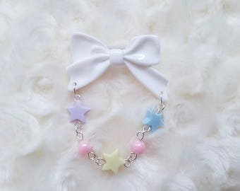 Fairy Kei Style Bow Pin - White and Pastel Brooch - Star Pin - Decora Bow Brooch - Pastel Deco Pin - Purple Yellow and Blue Stars