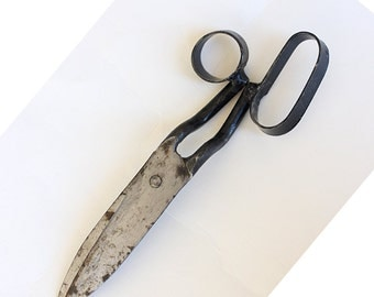 Vintage Carpet Craftsman's Scissors Iron Shears With a Rare Form Antique scissors Hand forged iron scissors Scissors for handwoven carpets