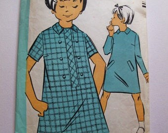 "Fabulous 60's french vintage pattern - A line Buttons  Long sleeves Short sleeves Dress for a 6 years old girl ""Patron Modèle"" 91123"