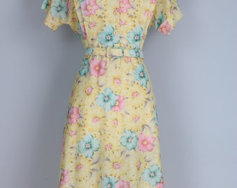 1950s Day Dress - Vintage Fit & Flare Floral Midi Dress - L/XL - Yellow Pink Blue - Short Sleeve - Belted - Mandarin Collar - Spring Summer