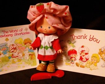 Vintage 1981 Kenner STRAWBERRY SHORTCAKE Curved Hand Doll in Original Outfit with Shoes, Thank You Card, Package Insert and Comb!!