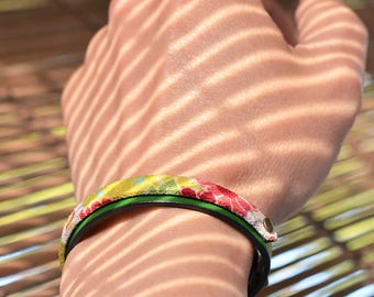 Genuine italian leather and kimono fabric bracelet. Men's. Unisex. Wristband. Bangle. Green. Gift for him. Japanese Jewelry. Made in Japan.
