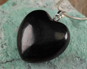 SHUNGITE Heart Pendant - Shungite Jewelry, Shungite Necklace, Shungite Pendant, Healing Crystal, Healing Stone, Black Heart Necklace E0279