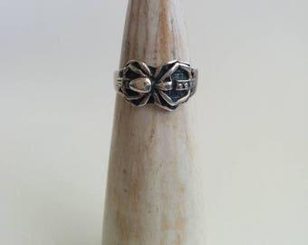 Vintage Sterling Silver Handcrafted Artisan Detailed Figural Creepy Spider Arachnid Ring