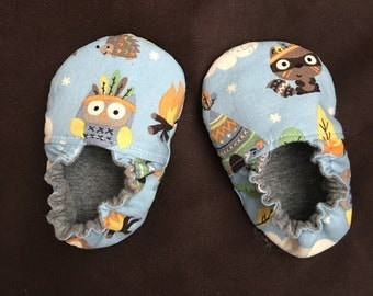 Reversible Cloth Baby/Toddler Shoes crib shoe baby shower gift cotton and jersey fabric animal  critter camping theme baby mocs
