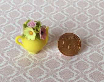 Miniature teapot with flowers cap
