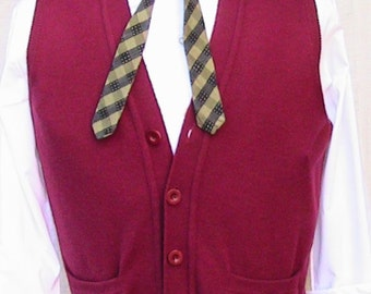 90s Medium Xmas Burgundy Red  Virgin Wool Vest - mamabu Made in Italy